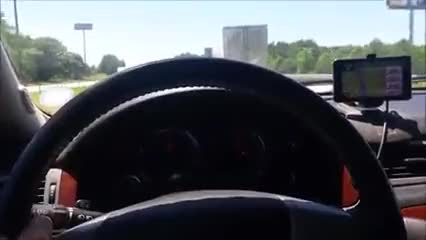 Amateur couple blow job while on highway