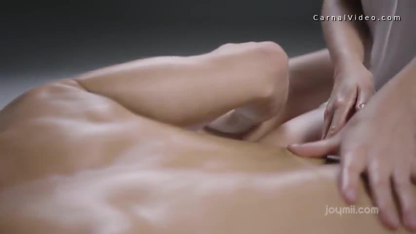 Tiffany Tatum sensual fuck in the bed
